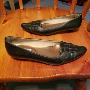 Sugarfoot size 5.5 black loafers with white stitch